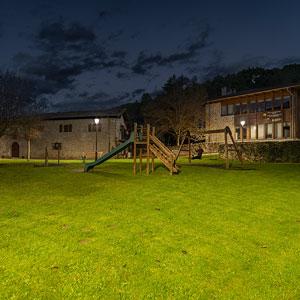 El proyecto ha incluido la iluminación de parques, donde resultaba esencial instalar un producto de iluminación exterior antielectrocución.
