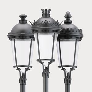De izquierda a derecha, las luminarias de alumbrado público certificadas Plaza, Siglo y Malaki con Difusor Confort®.